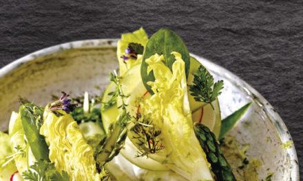 Grüner Spargelsalat mit Apfel und Limette