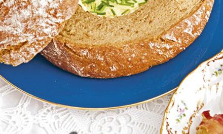 Brotfondue mit Speckerdäpfeln