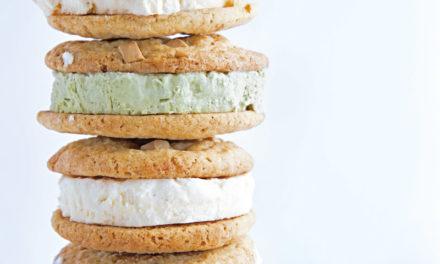 Cookie-Eis-Sandwiches mit Kokos- und Matchaparfait