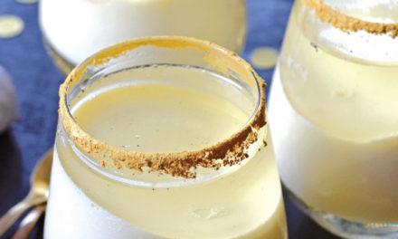 Champagner Jello Cups mit weißer Schokocreme