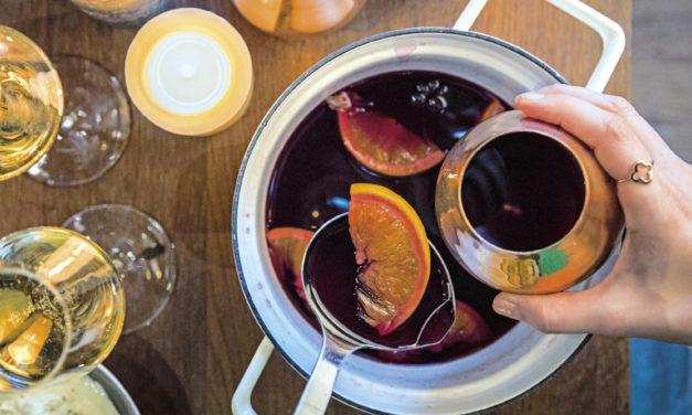 Glühwein mit Orangen