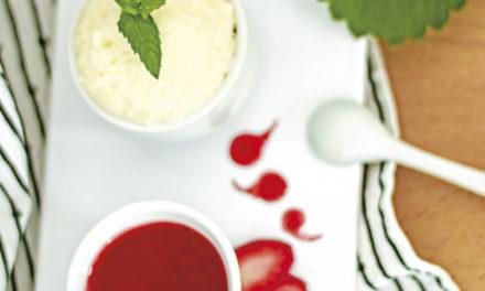 Griesspudding mit Erdbeersauce