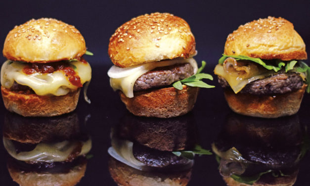 Mini-Cheeseburger mit Bourbonsauce