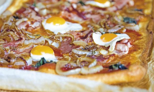 Brinner Pizza mit karamellisierten Zwiebeln