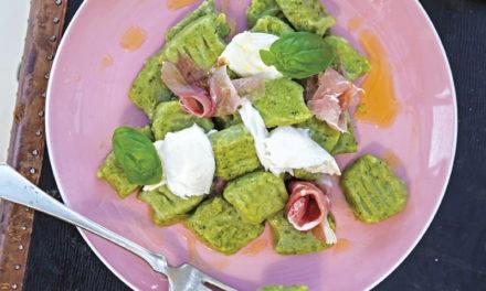 Bärlauch-Gnocchi mit Büffel-Mozzarella & Prosciutto