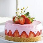 Erdbeer-Topfenmousse-Torte