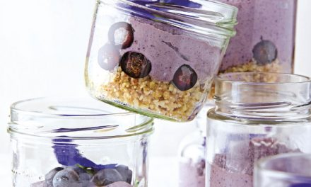 Heidelbeer-Cashew-Trifle