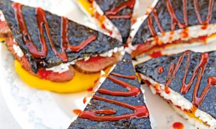 Sushi-Sandwiches mit Mango und Rindfleisch