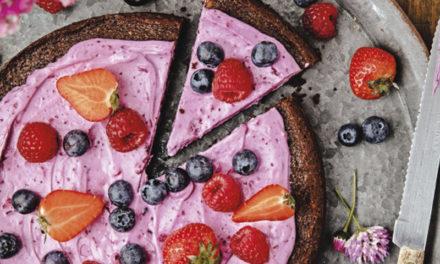 Brownie-Kuchen mit Heidelbeercreme